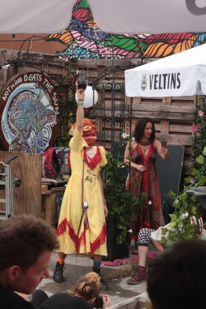 BTAF kiki riki performer